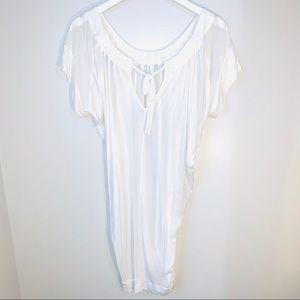 BCBG Max Azria Flowy White Wide Scoop Neck Tunic